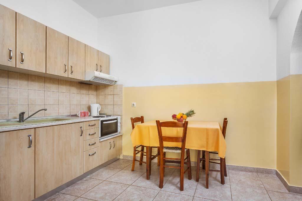 xenios-loutra-village-apartments-genel-0015